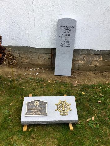 Vest Grave Marking 07